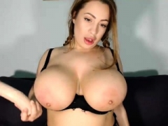 hoe sashablacky flashing boobs on live webcam