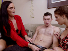 Lucky man is ready to please hot chicks Bianca Breeze and besides Jade Nile