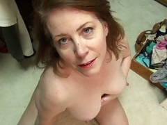 Northern american eager mom Brie Bently plays with her beefy fuck hole lips