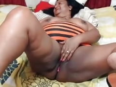 Latina granny geting some vibration