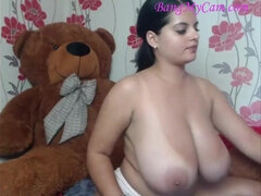 huge natural juggs - steamy cougar - Babe