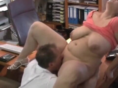 Hot amateur sex with plump whore
