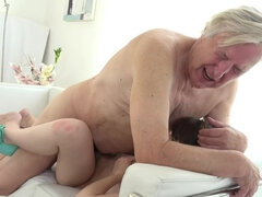 Young girl Luna Rival fucks up with old guy & gets creampied