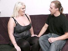 Pornhub lesbijki lizanie cipki