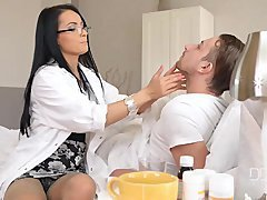 Ultra Sexy Doctor Lexi Dona gets a Internal cumshot