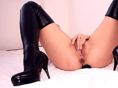Gorgeous Kate has Anal intercourse And creampie in High heels and Leather Leggins