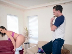 Brazzers - Mommy Got Boobs - Sara Jay Kyle Ma
