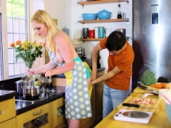Carly Rae Her Kitchen Helper Hard Knob