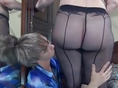 Boy fucked grown-up curvy in pantyhose