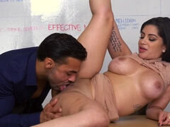 Cunnilingus makes any pussy wet and ready for fuck