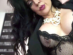 wondrous brazilian cougar masturbation