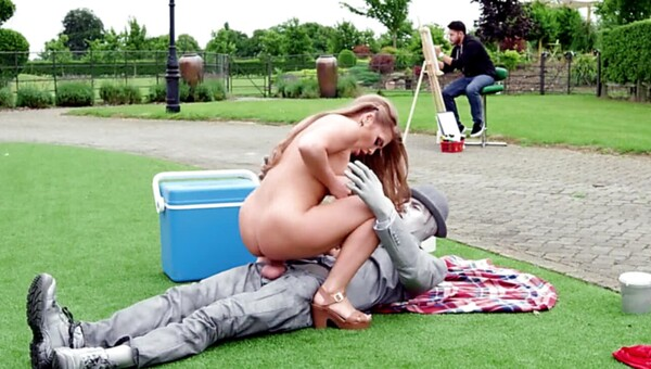 A girl with a fine roud ass is fucked in the park really hard