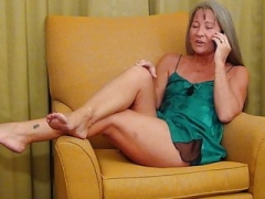 Sexually available mom Has Phone Sex
