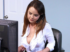 The cutiest adult entertainment actress Dillion Harper prefers to fuck in office