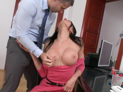 Boss uses his secretary's body in dirty way during the work time