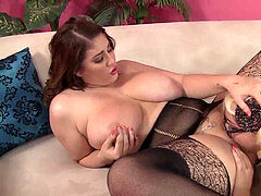 super-naughty plumpers Angel and Jade rose lezzie lovemaking