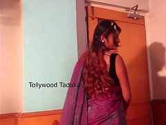 swathi-naidu-romance-with-his-husband-in-bed-room.mp4