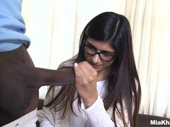 BBC That Is Not Fitting In Mia Khalifa's Pussy