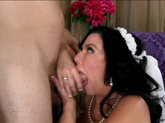 Nervous bride Veronica Avluv need one last fuck before wedding