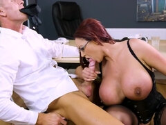 Provocative female boss gets into hands of experienced fucker